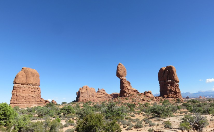 Hike to Balanced Rock